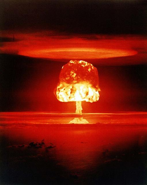 atomic-bomb-1011738_640
